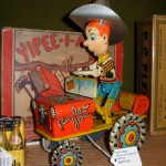 dc big flea vintage tin toy