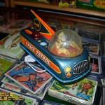 DC Big Flea - vintage space patrol tin toy windup