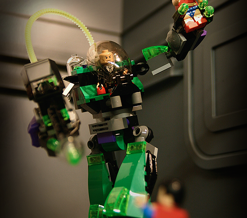Toy Photography – LEGO Superman vs. Power Armor Lex Luthor