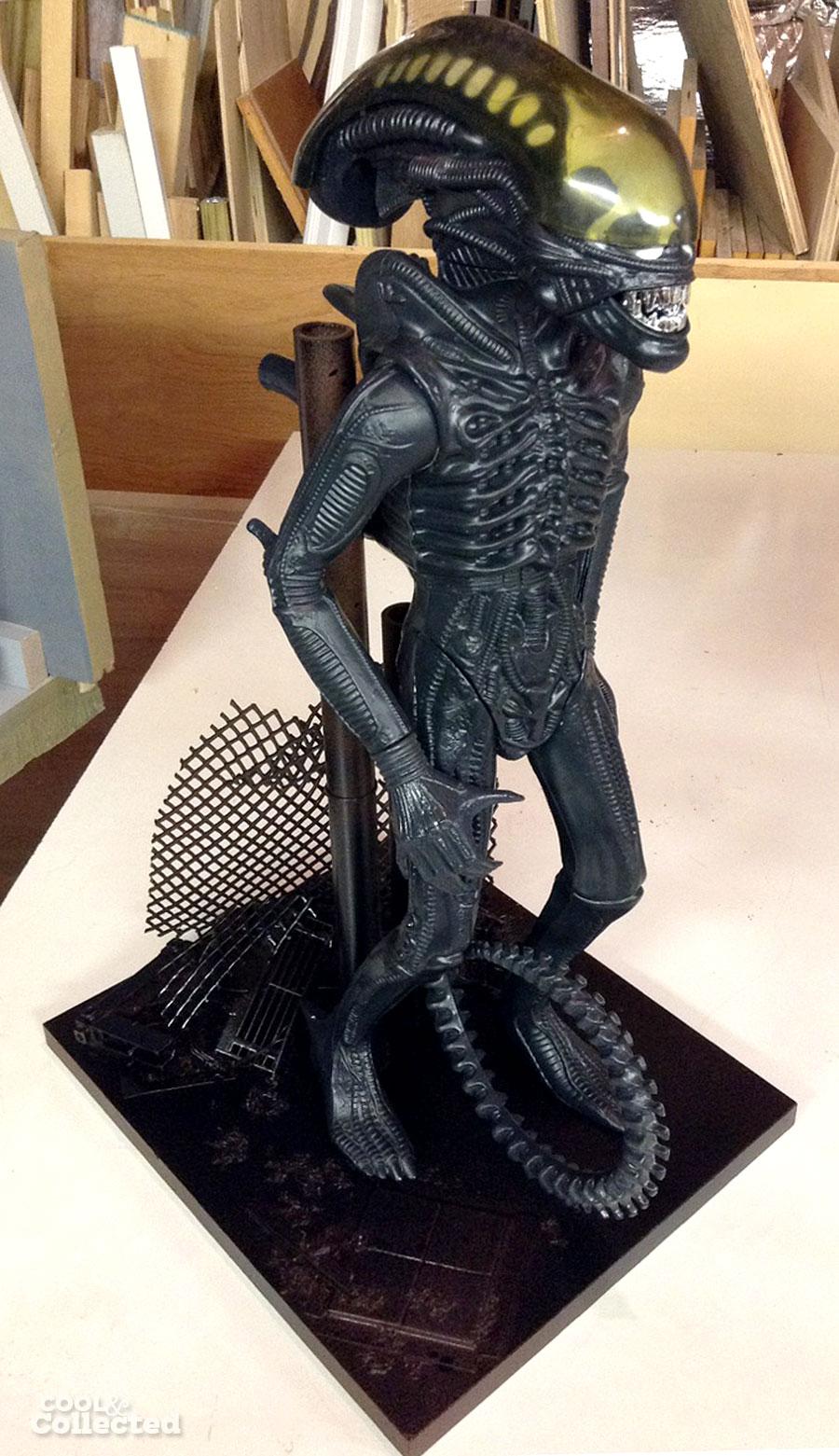 kenner-alien-diorama-stand-2
